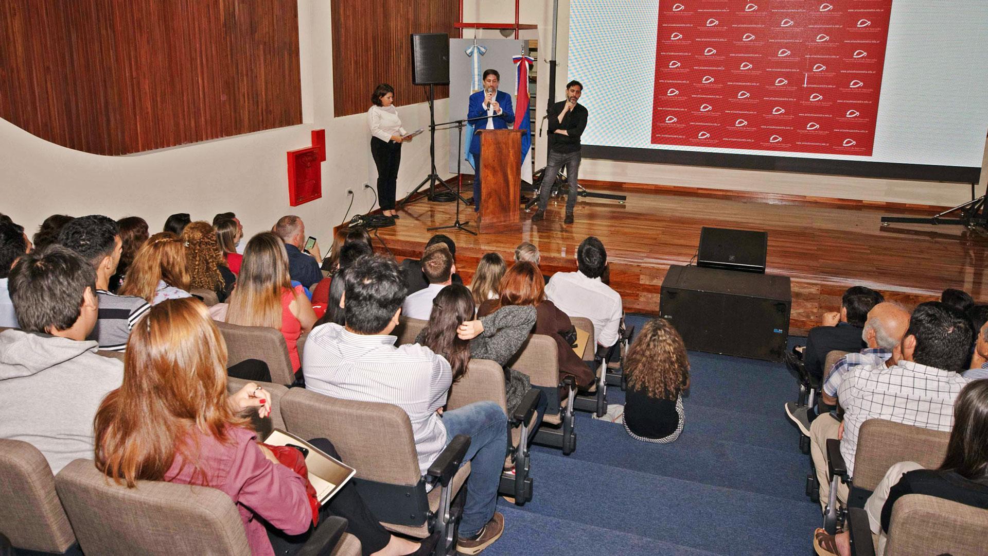 Auditorio del Instituto Hernando Arias Saavedra